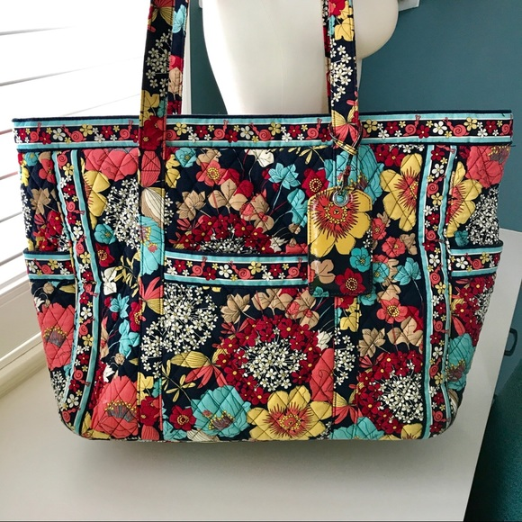 "c66a212949b VERA BRADLEY ""Get Carried Away"" Tote. RETIRED! M 5a36e5502c705d127901f643"